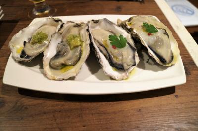 はるかに乗って京都へ  牡蠣好きの2人は貝と白ワインの店  KAK…