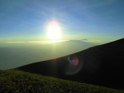 タンザニア滞在記39(ガイドの重要性を認識したオルドイニョレンガイ(2880m)再登頂編)