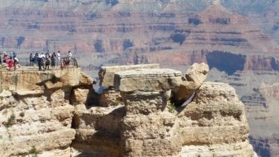 アメリカ大西部感動の旅4つの国立公園と7つの絶景巡り9日間 6日目グランドキャニオン・ラスベガス