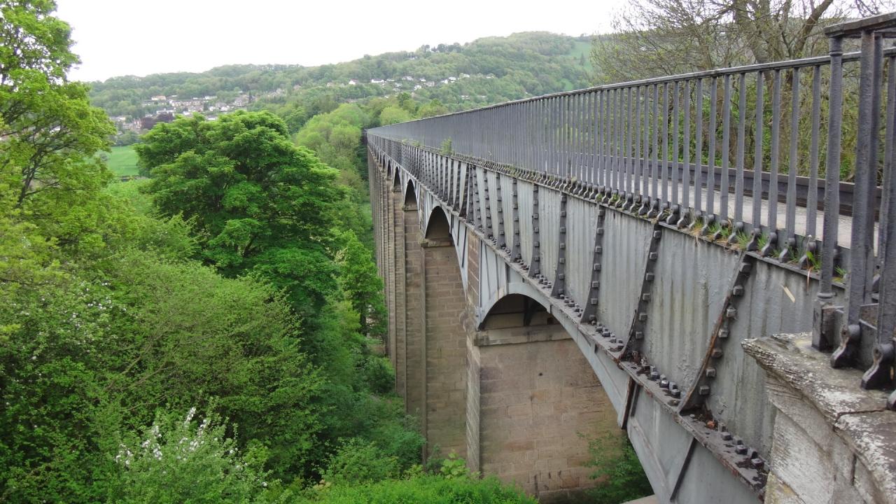 ポントカサステ水路橋と運河の画像 p1_1