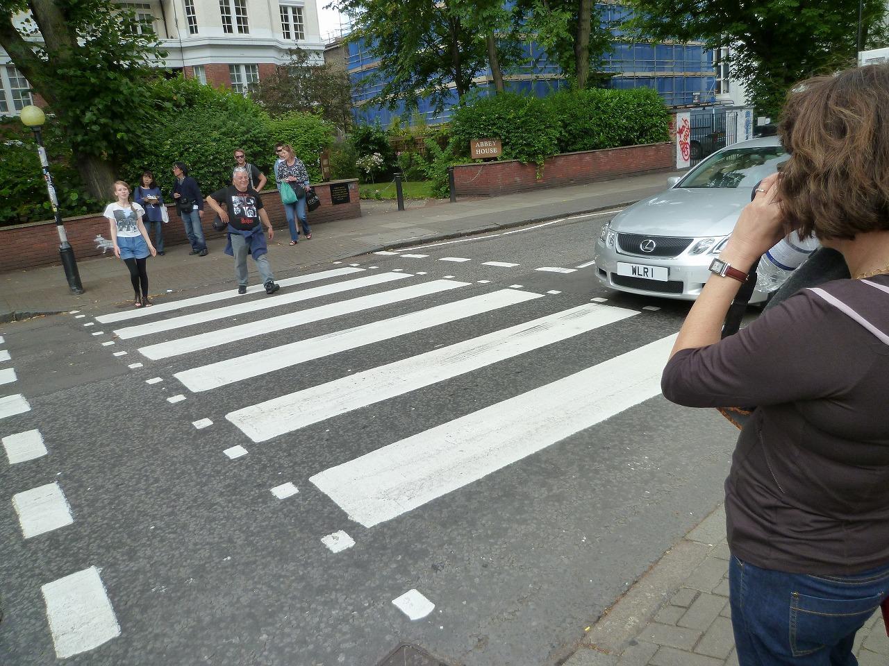 ビートルズ 横断歩道