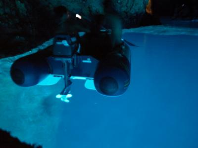 Bisevo島の青の洞窟に行くには