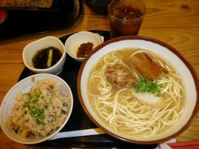空港で最後の沖縄料理