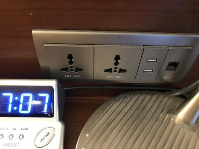 コンセント形状 USBも使えます