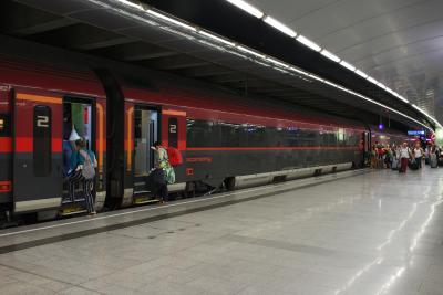 ザルツブルク中央駅へ乗り換えなしで行けるRailjetもあります