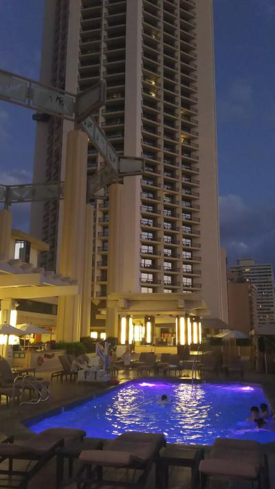 ホテルの棟