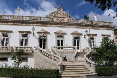「ペドロ王子とイネスの悲恋物語」のゆかりの地に建つホテル