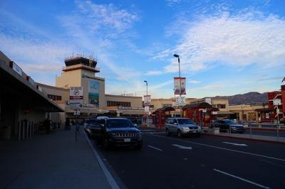 LAXよりも便利な国内線空港