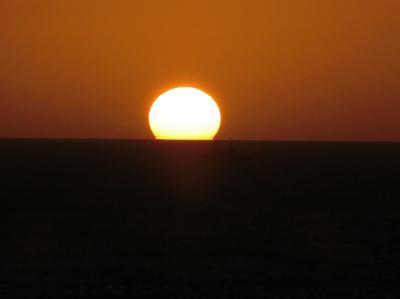 ラナイから見た「水平線に沈む夕日」