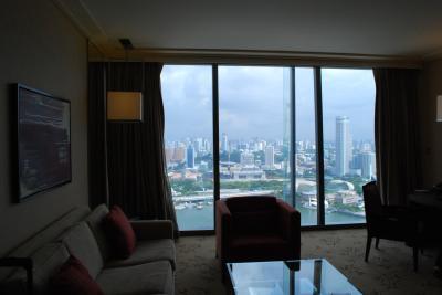 クラブルーム4650室からの眺め、マーライオンも見えます