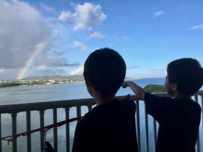 アルパット島、ハガニア湾が一望できます。