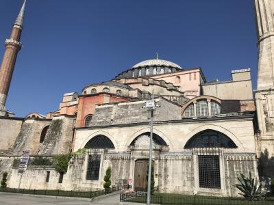 かつての教会でありモスクであり……