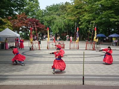 八角堂前でサムルノリ(伝統音楽)鑑賞