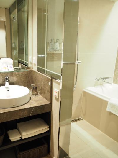 バスルームはトイレとは別で使いやすい