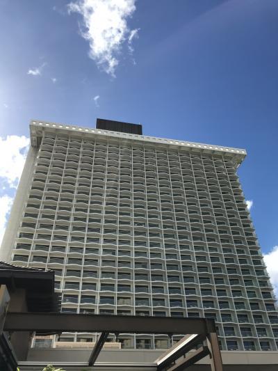 インターナショナルマーケットプレイスからのアイナハウ・タワー
