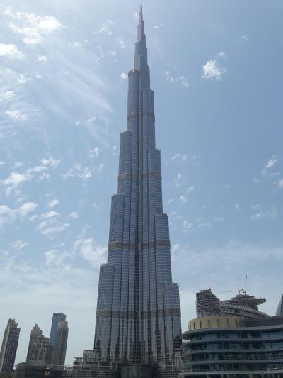 世界最高の高さを誇るビル。お高いですが一度は登ろう