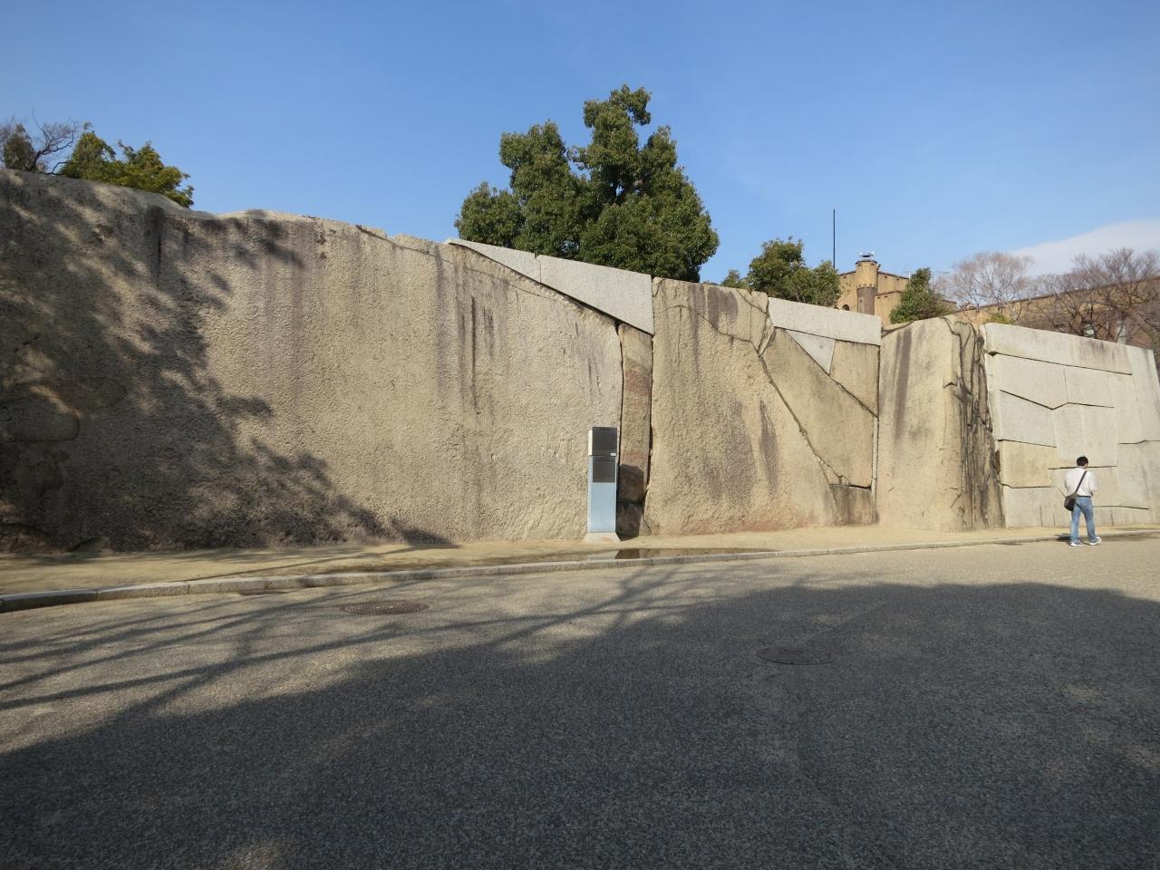 大阪城の巨石と言うと有名ですよね・・・・・どうやって来たのかとか!!知りたいよね!!
