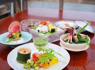 夏の風物詩 京料理さつき 鴨川納涼床プラン ■夕・朝食付■  写真