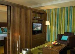 サフィール ホテル アンド レジデンス クウェイト フィンタス 写真