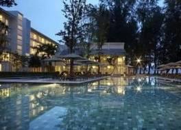 ローン パイン ホテル