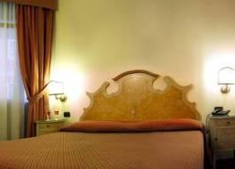 ホテル ピアヴ 写真