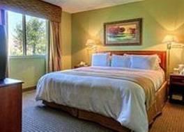 シュアステイ プラス ホテル バイ ベスト ウェスタン カンザスシティ エアポート