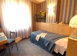 ホテル ガルダ 写真