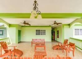 Midas Belize 写真