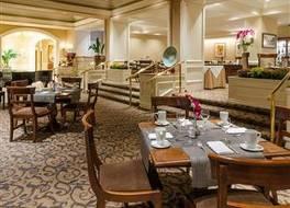 サットン パレス ホテル 写真