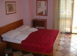 フレディーズ ホテル 写真