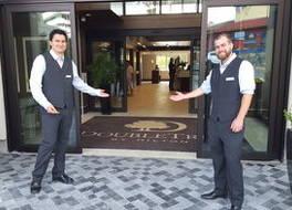 ダブルツリー バイ ヒルトン ホテル & スイーツ ビクトリア 写真