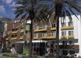 ホテル インディゴ アナハイム
