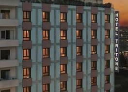 ホテル トリトーネ 写真