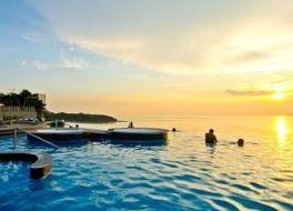 ロイヤル クリフ ビーチ ホテル 写真