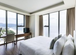 ア ラ カルト ダナン ビーチ ホテル 写真