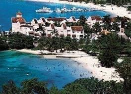 Fishermans Point Resort