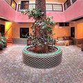 写真:ジャマ エル フナ ホテル セシル