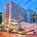 写真:Holiday Inn Vancouver-Centre Broadway