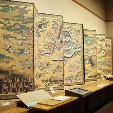 徳川家光公の事跡が金屏風に描かれる歴博所蔵の江戸図屏風、佐倉散策の巻