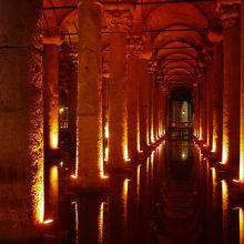 地下宮殿 (イェレバタン貯水池) ...