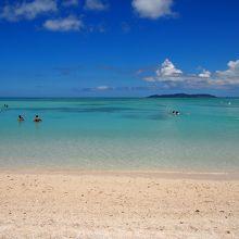 遠浅のきれいなビーチ コンドイビーチ