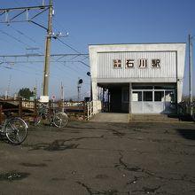 石川プール前駅 写真・画像【フ...