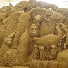 砂の彫刻は大迫力☆