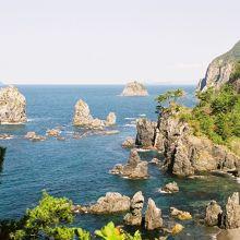 奇岩の並ぶ海上アルプス