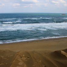 日本海を望む雄大な景色