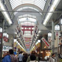 """これぞ""""ザ・大阪の商店街""""や〜!"""