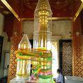 写真:ラクムアン 市の柱 (ウドンターニー)