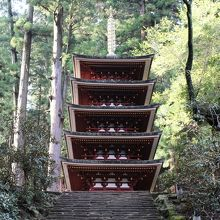 御注意願います。室生寺は5時まで拝観できますが奥の院、御朱印時間は午後4時までです。