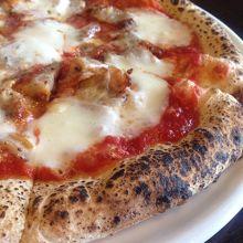 もちもちピザが絶品