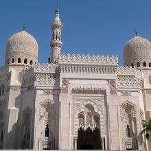 アレキサンドリア最大のガーマ(モスク)だが行く観光客は少ない.外面と内部は綺麗.